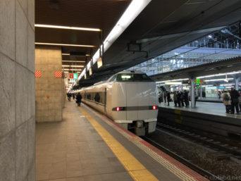 大阪駅サンダーバード