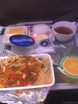 機内食のビーフン